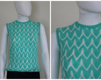 Vintage 1960's Aqua Blue White Zig Zag Chevron Print Knitted Acrylic Sleeveless Sweater Top Vest Size Small