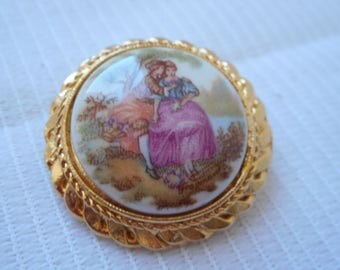 stunning vintage French small detailed porcelain brooch
