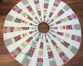 Modern christmas tree skirt, in Large and Extra Large! In beautiful elegant Christmas reds, golds, and teals.