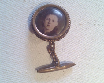 "Pendant with photo, ""Cufflink""."