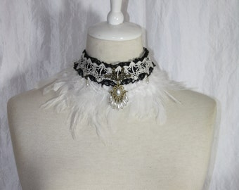 Collier [earrach] - top with brown feathers
