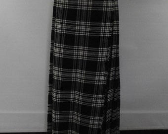 Vintage kilt black cream maxi kilt skirt tartan plaid full length maxi kilt by St Michael size small