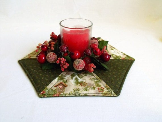 quilted candle mat, christmas table centre piece, festive candle holder, green and cream ivy cotton fabric