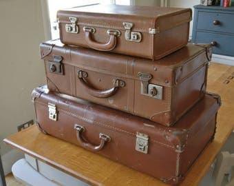 3 vintage suitcases, vintage case, vintage luggage, coffee table, trunk (1216)