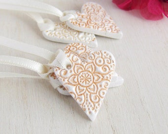 Mini Heart Wedding Favours, Party Favour Tags, White Clay Gift Tag, Clay Hanging Decoration, Heart Ornament, Handmade Memento, Keepsake