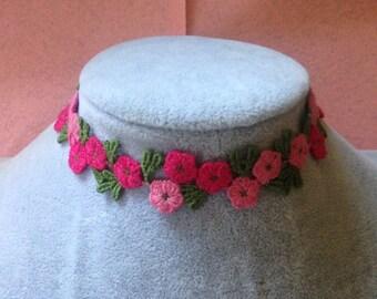 Pink tones floral lace choker