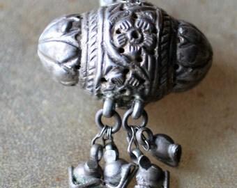 Vintage Indian Silver Amulet  Taviz