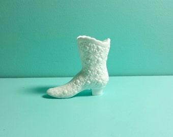 Fenton Milk Glass Boot, Milk Glass Shoe, Fenton Daisy and Button, Vintage Fenton, Vintage Milk Glass, Milk Glass Decor