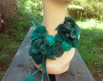 Statement necklace Gorgeous necklace Felted necklace Green necklace Felted flowers Felt green necklace Felt jewelry Felted wool jewelry