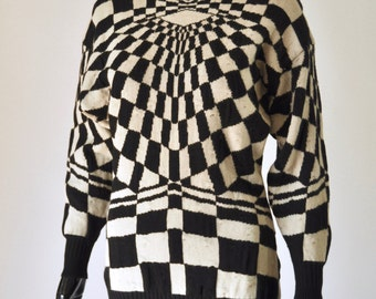 1980s Gianni Versace Black and White Optical Illusion Sweater