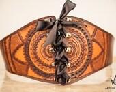 Ceinture large en cuir Mandala