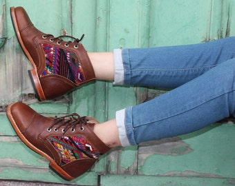 Leather lace-up boots with Huipil - Handmade boots