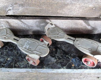 Hustler 2, Solid Metal, Vintage Adjustable Roller Skates, set of 2 1950's Americana, Vintage Home & Farmhouse Decor, Retro Fashion Nostalgia