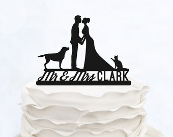 Mr & Mrs cake Topper With Last Name_Wedding Cake Topper_Custom Cake Topper With Cat and dog_Made in Italy_Groom And Bride Cake Topper