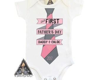 FIRST FATHER'S DAY baby bodysuit one piece creeper With Tie / Newborn bodysuit / Custom Name bodysuit/ Custom Bodysuit / Tie Bodysuit