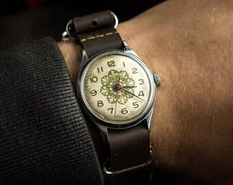 "Vintage AUTHENTIC Soviet Russian men's ""Volna"" ( ""VOSTOK"") watch, Precision   22 jewels, great Vintage watch, new  band."