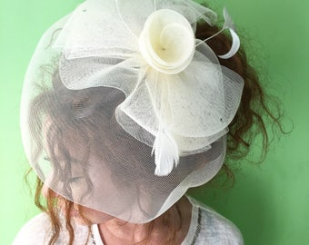 Wedding fascinator, Ivory fascinator, Bridal Fascinator, Kentucky Derby Hat, British Hat Fascinator Headband,  Fascinator Headband