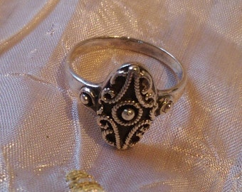 Ornate Unmarked Silver Ring - SIZE T
