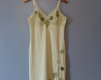Vintage Lingerie Slip 60's Green Appliques Leaf Leaves Pretty Embellished 1960's Sexy Pin Up Glam Fabulous Spring Summer Retro Pretty Lovely
