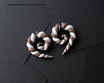 Spirals fake gauge earrings white and brown zephyr chocolate candys fake plugs fake gauges