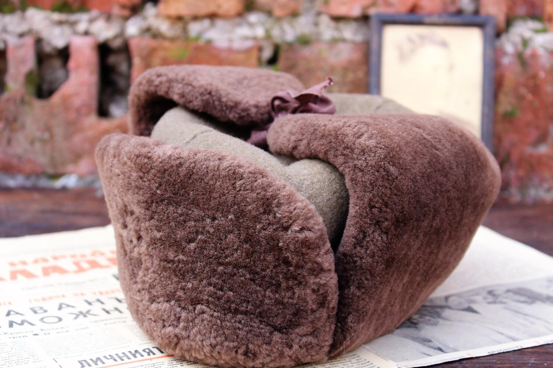 toque en peau de mouton en fausse fourrure fausse fourrure. Black Bedroom Furniture Sets. Home Design Ideas