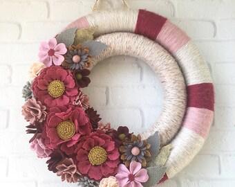 Felt flower wreath, pink wreath, wrapped wreath, felt flower decor, pink yarn wreath, Valentine's Day wreath, yarn wreath
