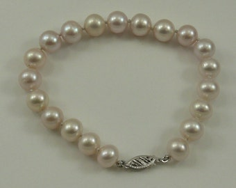 Freshwater White Pearl Bracelet 14k White Gold Clasp 8 Inches