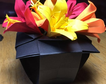 Origami Japanese Style Vase with Lilly/Hibiscus