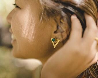 Green stud earrings, green earrings, green onyx stud Earrings, green Gemstone earrings, green onyx jewelry, gemstone jewelry, triangle studs