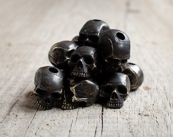 Black skull paracord beads - Black bronze charms. Big, heavy skull beads are handmade with unique designs!