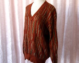 Jersey 70s neck of picomy stamped deco. Color brown.