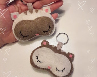 Cream and beige felt key chain cat kitten pet cat kawaii kawaii felt Keychain, felt Keychain animals