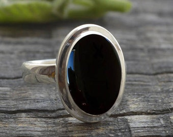 Black Onyx Sterling Silver Ring - Onyx Ring -  Stacking Ring - Onyx Oval Cabochon Ring - Black Stone Ring - Silver onyx ring - Bezel Rings
