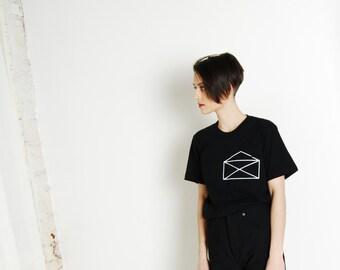 Envelope Pocket-Tee