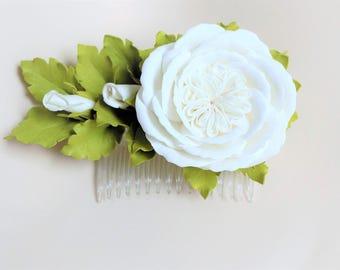 White flowers girl hair comb White roses hair comb Wedding hair flower comb Bridal flower White flower Hair comb flowers Hair flowers roses