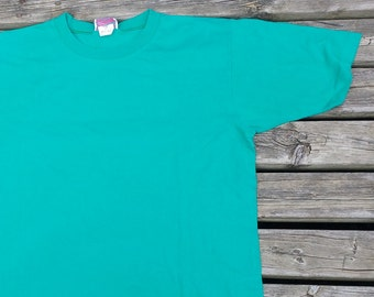 Vintage Plain Jane 80's/90's Teal / Turquoise / Green Plain t-shirt Made in Canada vintage t-shirt large
