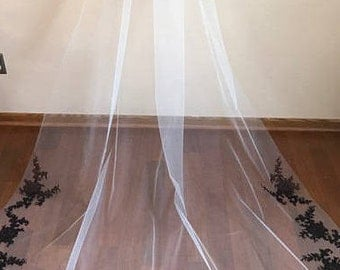 Chapel lenght Veil   Style  14      Ivory Wedding Veil with elegant black chantilly lace.
