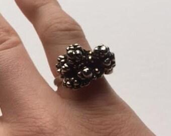 Vintage 1950's Costume Jewelry Adjustable Metallic Bubble Stone Ring