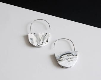 MODERN and MINIMALIST geometric MARBLED half-circle sterling silver earrings
