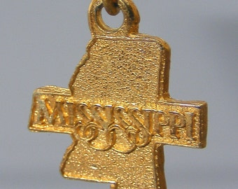 Gold Charm,  Vintage,  Gold On Silver,  Charm,  State Of Mississippi,  Free UK Postage