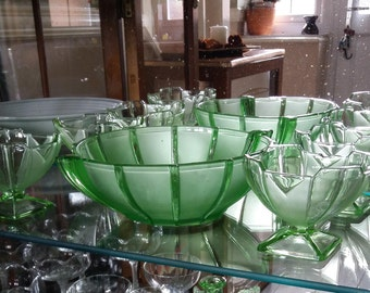 Sowerby Green Pressed Glass Sundae Bowl and 4 Dishes 1930's Pattern 2631