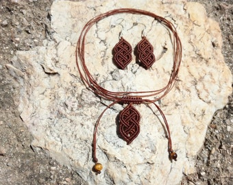 The Celt - Macrame handmade jewelry set - Celtic knot earrings and minimal necklace, choker with pendant, in brown. Bohemian style