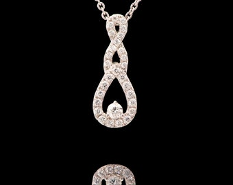 18k White Gold Natural Diamond Necklace , VS Clarity Round Diamond Pendant