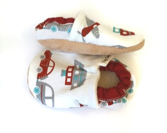Baby Boy Shoes, car booties, Cloth Shoes, Infant Booties, toddler shoes, baby boy gift, fabric shoes, crib shoes,  soft sole baby shoes,