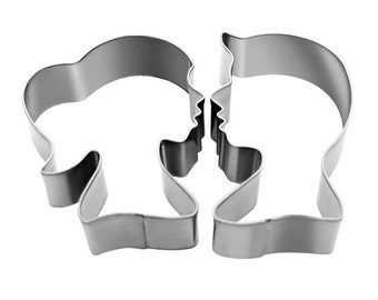 2 Pieces Couple Shaped Cookie Cutter Kiss Cookie Mold
