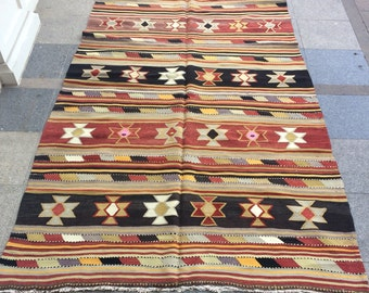 Anatolian Turkish Kilim Rug, Traditional Turkish Vintage Kilim Rug