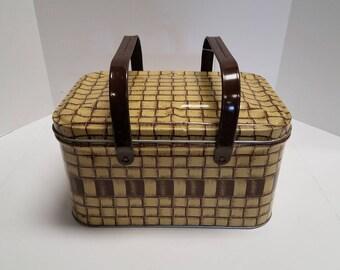 Wonderful Vintage Basket Weave Patterned Tin Picnic Basket cooler with Dark Brown Metal Handles 1950's