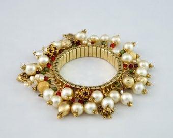 Christmas Charms bracelet,  gold stretch Christmas charm bracelet, cha cha bracelet, Swarovski stretch bracelet