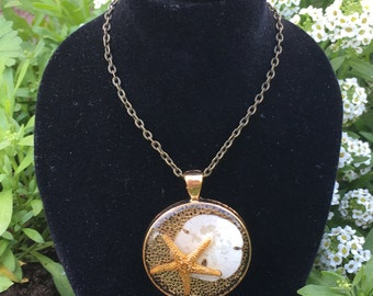 Ocean starfish and sand dollar resin pendant necklace