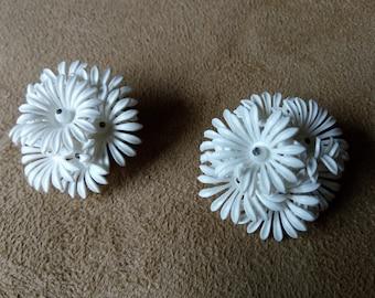Daisies vintage earrings